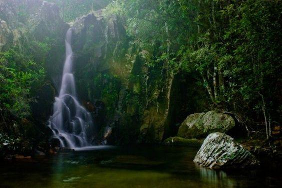 Localizada no interior de Minas Gerais, a 200 km de Belo Horizonte, Tiradentes 茅 uma das cidades mineiras mais procuradas quando o assunto 茅 turismo ecol贸gico. Com 300 anos de uma rica hist贸ria, a cidade mineira possui belezas naturais que encantam quem procura belas paisagens e o contato direto com a natureza.