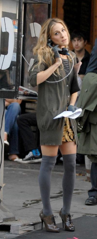 Sarah Jessica Parker in glänzenden Schnürpumps #sarahjessicaparker #patentshoes