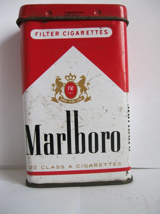marlboro cigarette tin just because pinterest publicit gar ons et adolescents. Black Bedroom Furniture Sets. Home Design Ideas