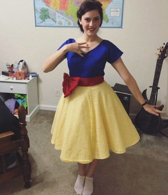 Hey, I found this really awesome Etsy listing at https://www.etsy.com/listing/259639874/disney-bound-snow-white-50s-style-dress