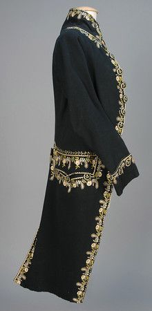 LOT 507 GENTS EUROPEAN SILK EMBROIDERED WOOL COAT, 1775 - 1799. - whitakerauction
