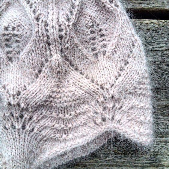 Details #blondehue #knittingforolive