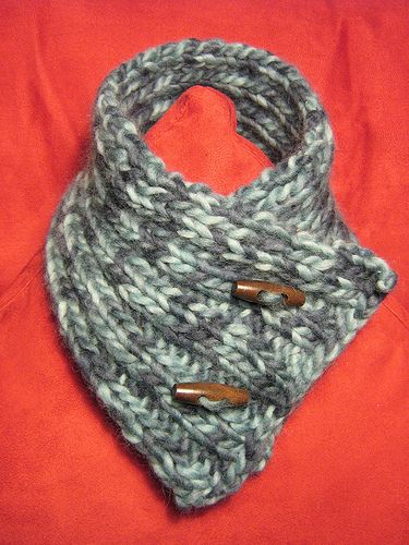Neck warmer with toggle buttons knitting & Crochet ...