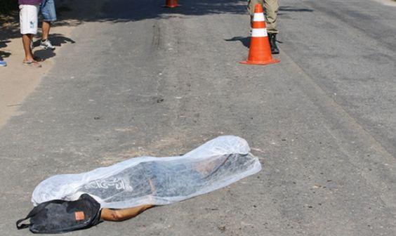 JORNAL O RESUMO - BOLETINS POLICIAIS DIÁRIOS COM FOTOS - JORNAL O RESUMO: Caminhão mata homem - Menor esfaqueado - Dois pres...
