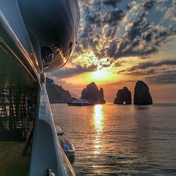 Great sunset shot by @chiefkez #superyacht #sunset #yachtmasters by yacht_masters