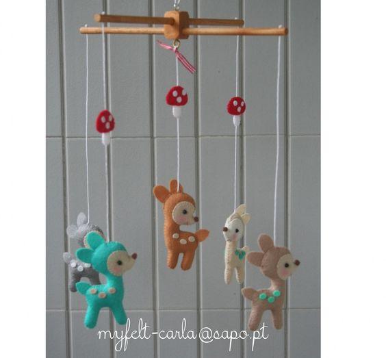 mobile pour berceau mobile d coration mobile feutrine mobile bambi cadeau pour b b. Black Bedroom Furniture Sets. Home Design Ideas