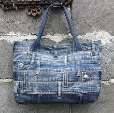 Einer der eine Art handgemachte Jeans Tasche. Sehr ungewöhnliche und stilvolle Tasche für Ihren casual-Look! Sie zeichnen sich, wie es wirklich