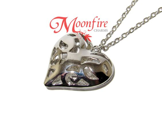 THE VAMPIRE JOURNALS Caroline's Heart Pendant Necklace