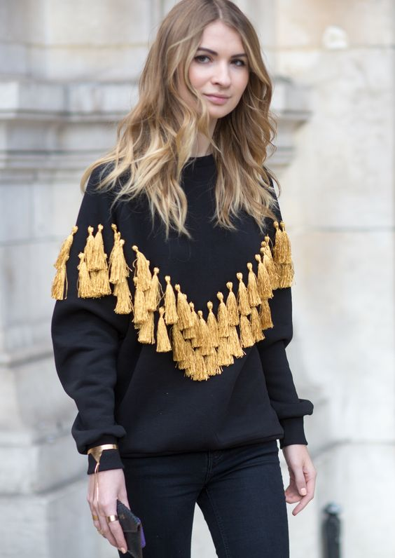 there's nothing more that I love than this sweater. this is the second time I've seen it!