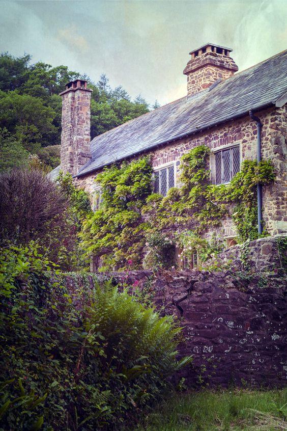 Country Cottage in Devon, England <3