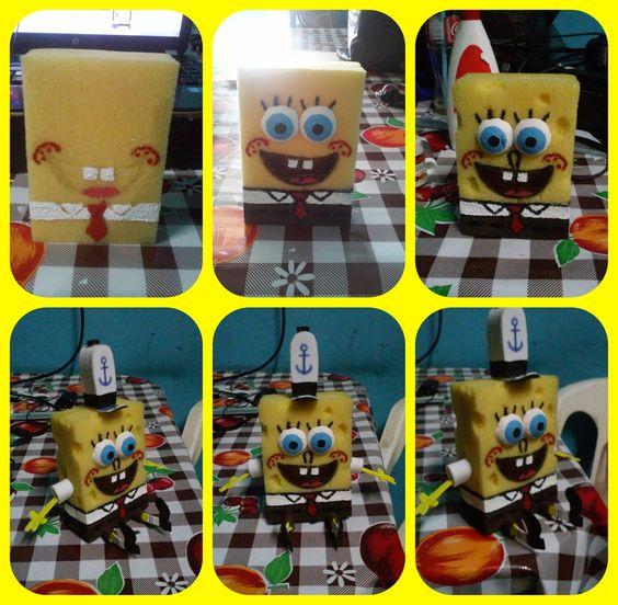 Bob Esponja Real - Sponge Bob Square Pants. Hecho con dos esponja, pintura acrílica y foami.