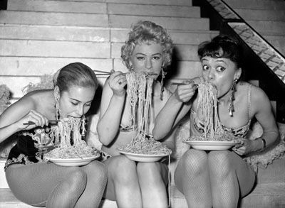 Gorgeous girl, Spaghetti and Girls on Pinterest
