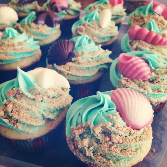 Under the Sea Cupcakes - love the use of brown sugar! And I can make some white-chocolate shells to go on top!: