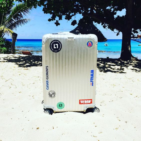 Even more Fiji! Tag #mybackpackisarimowa to share  #rimowa #myrimowa #topas #travel #trip #instalike #travelgram #followme #follow4follow #aroundtheworld #multiwheel #aviation #withmyrimowa #greatoceanroad #backpacking #vacation #luggage #follow #rimowatopas #sticker #fiji #yasawa #yasawaislands #octopus by myrimowa