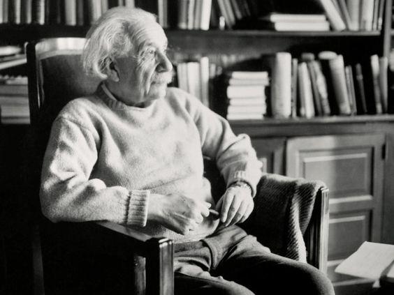 En noviembre de 1915, Albert Einstein anunció uno de los mayores hallazgos científicos de la historia, que cambiaría nuestra percepción del universo.