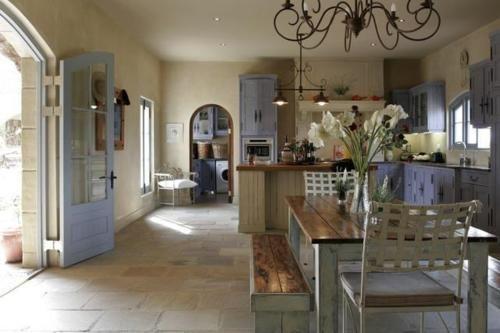 Des Idees Inspirantes De La Provence 14 Style Provencal Pour La Maison Pinterest Style Provencal Maison Maison De Famille