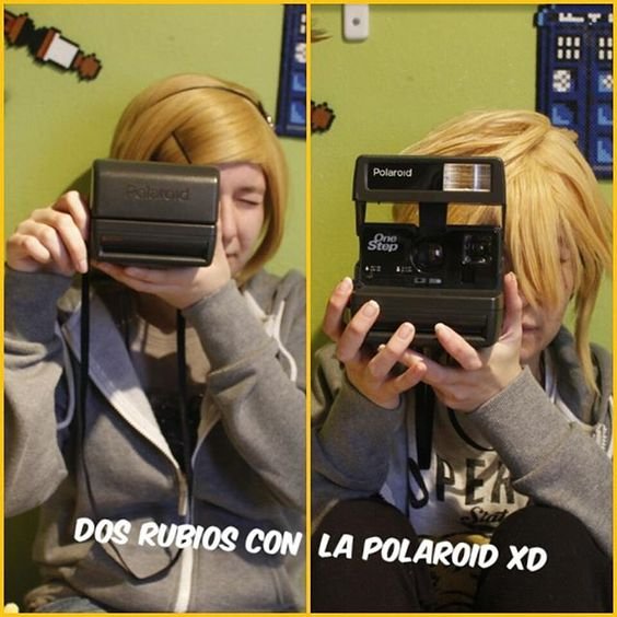 Rin y Len son muy rubios jajaja  Rin ⏩ Kyari  Len ⏩ Tryska  #Vocaloid #rin #Len #Kagamine #polaroid #blonde #kagaminetwins #Cosplayers #Valkyrie_Sisters #badasscosplaygirl #cosplayrama #instacosplay #retards  #thecosplayalliance #banana #orange #vocaloidcosplay