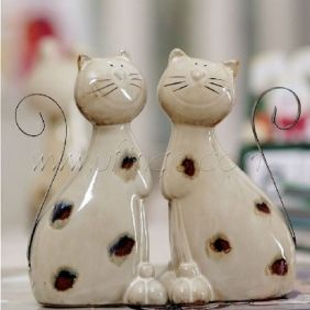 Funny Ceramic Cat Figurine