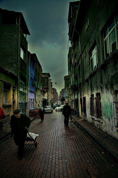 Balat, Istanbul by Fikret Kabay -http://www.guidora.com