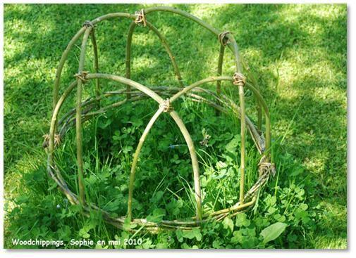 Cloche en osier vannerie pinterest for Decoration pour jardin exterieur 1 vannerie exterieure haie vivante en osier tresse abri