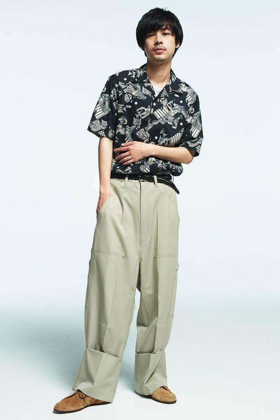 柄シャツがよく似合う成田凌のかっこいい高画質画像