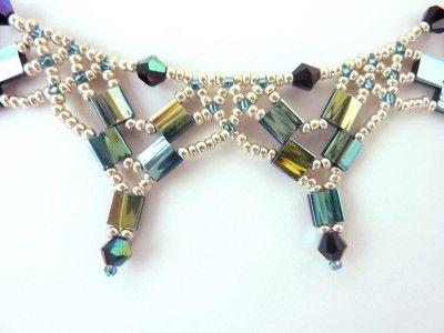 Geomtetric Tila bead necklace (Tila Netting) #Seed #Bead #Tutorials .........................................................................................................Schmuck im Wert von mindestens   g e s c h e n k t  !! Silandu.de besuchen und Gutscheincode eingeben: HTTKQJNQ-2016