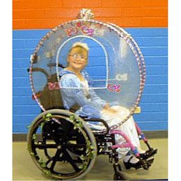Essa Cinderela vem na sua carruagem exclusiva! :) E viva a inclusão social!