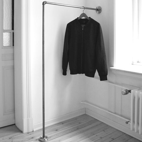kleiderstange einfach an der wand befestigt clothes rail wall mounted various steel pipe. Black Bedroom Furniture Sets. Home Design Ideas