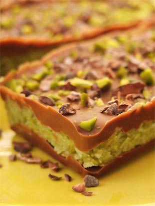 barres chocolatées fourrées à la noix de coco et aux pistaches