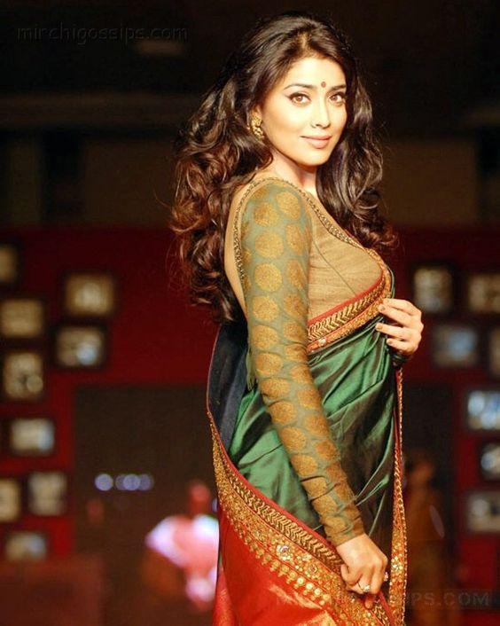shriya-hot-saree-stills-08