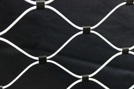 Nerezové sítě/ Nerezové sietě X-TEND, nerezová lanka/ lanká I-SYS, ozelenění/ ozelenenie GREENCABLE, membránová a ETFE folie architektura/ architektúra ARCHTEX  www.carlstahl.cz www.carlstahl.sk