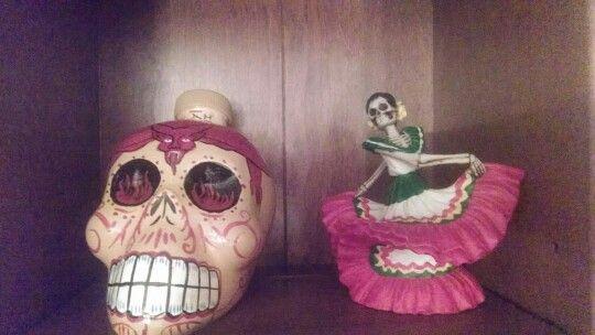 Dia de los Muertos curios.