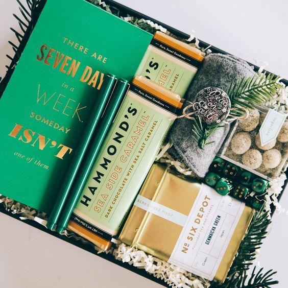 caja regalos sorpresa color verde