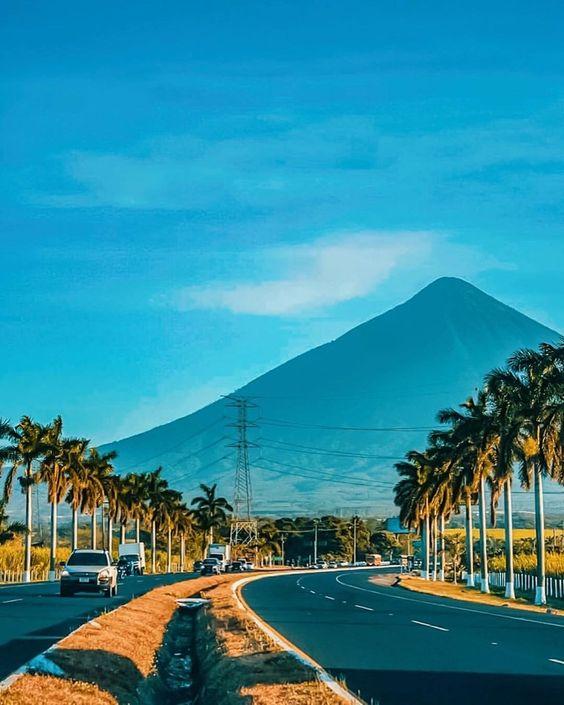Autopista Palín Escuintla Y Sus Paisajes Así Es Mi Tierra Guatemala En Facebook Beautiful Places To Visit Guatemala City Places To Visit
