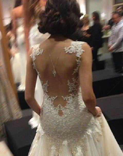 Vestido de noiva com detalhe nas costas | Noivinha em Folha
