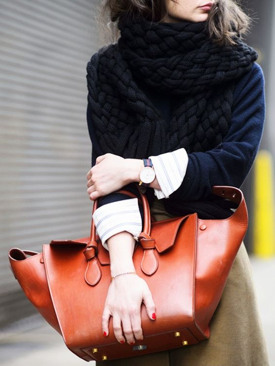 What Your Bag-Carrying Style Is Secretly Communicating. #bags #style #fashion
