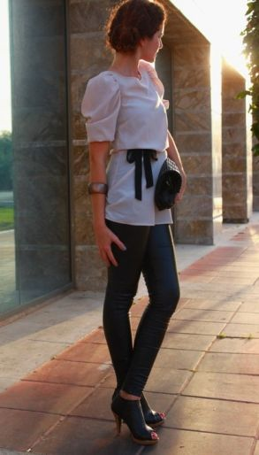 : Melle S Style, Leather Leggings Look, Cute Tops, Office Wears, Shirt Sash, Leggings Underneath, Cute Outfits, Loose Shirts, My Style