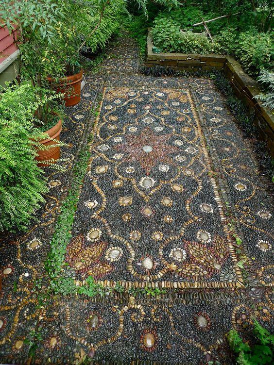 Jeffrey Bale's woven rock garden floor
