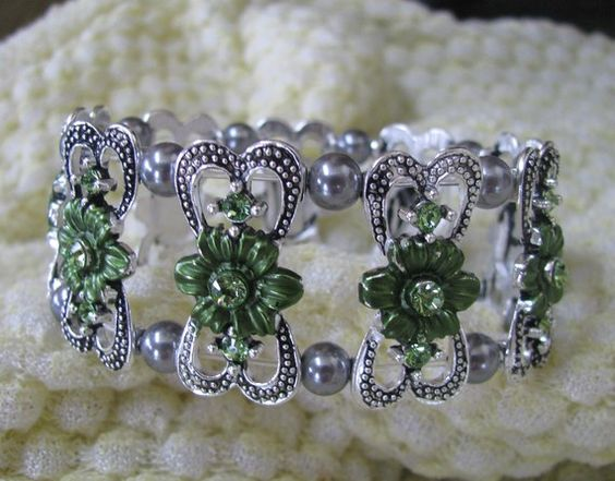 Green flower Swarovski crystal bracelet