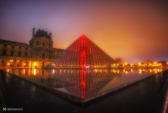 The Louvre in the early morning by Vittorio Delli Ponti on 500px