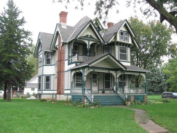 Barber Shop Queen Anne : ... : Queen Anne - Queen Anne built by George F. Barber in Carson, Iowa