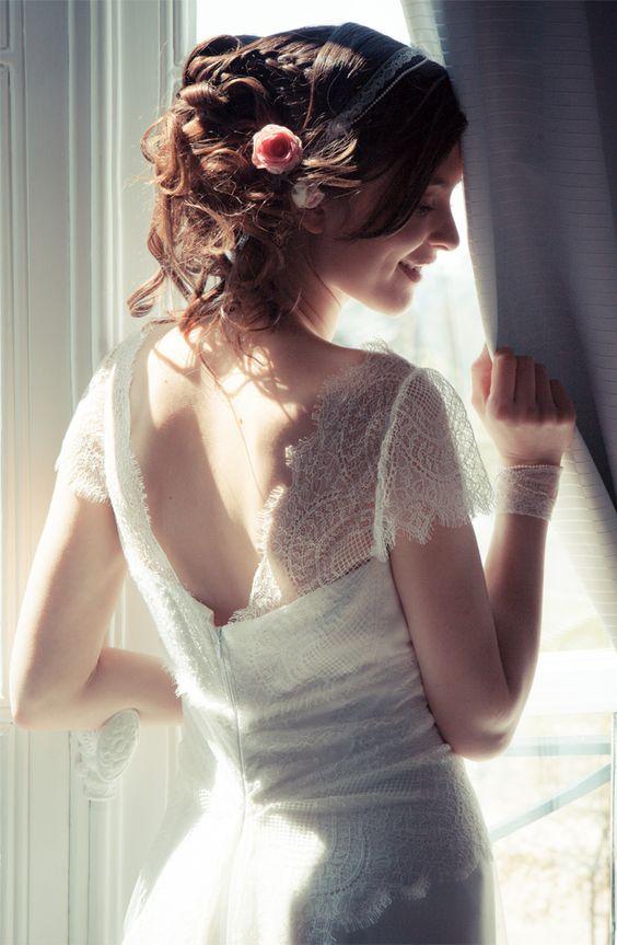 Elsa Gary - Robes de mariée | Modèle: Carolina | Crédits: Elsa Gary | Donne-moi ta main - Blog mariage... good website :):):):):)