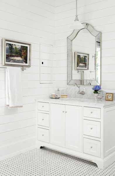 Cottage bath | Mike Hammersmith General Contracting, Interior Design: Debbie Cummins, Photos: Emily Followill Photography