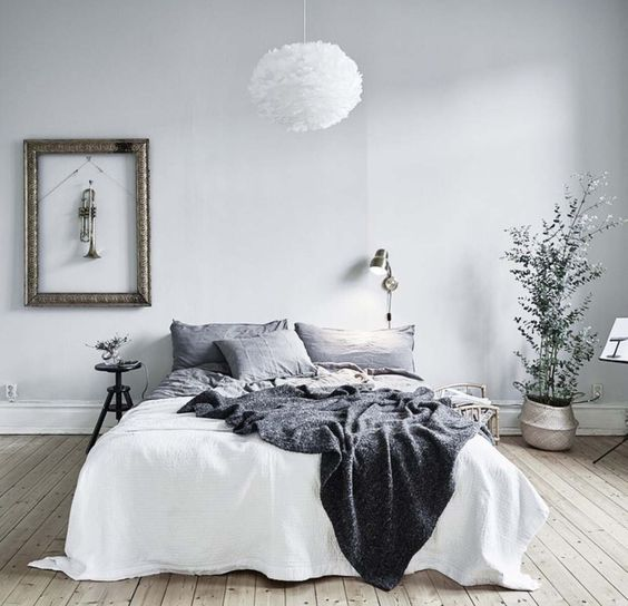 45 scandinavian bedroom ideas that are modern and stylish for Grey minimalist bedroom