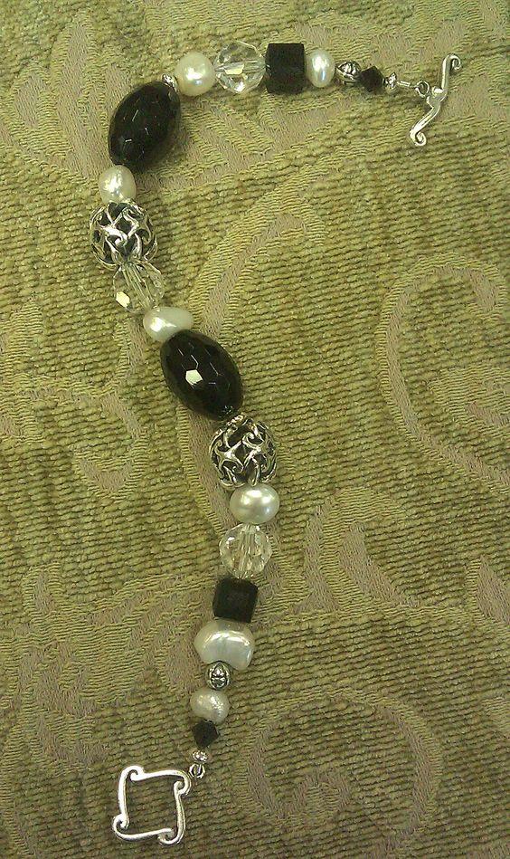 Onyx/Bali/Pearl bracelet