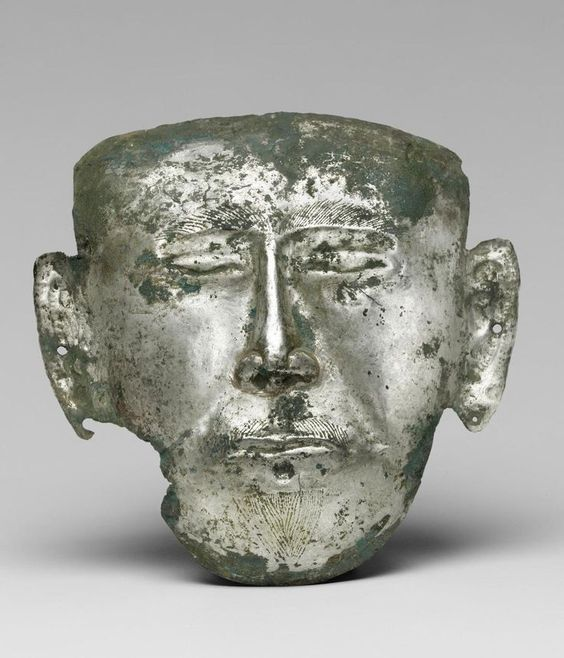 A Chinese funerary mask from the Liao Dynasty (907–1125).Placing a metal mask on the face of the deceased was a unique tradition of the nomadic Khitan