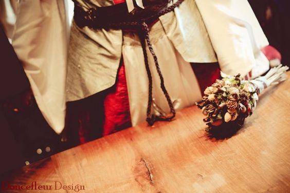 Elfic middle age wedding bouquet - Bouquet mariage elfique medieval - Doucefleur Design