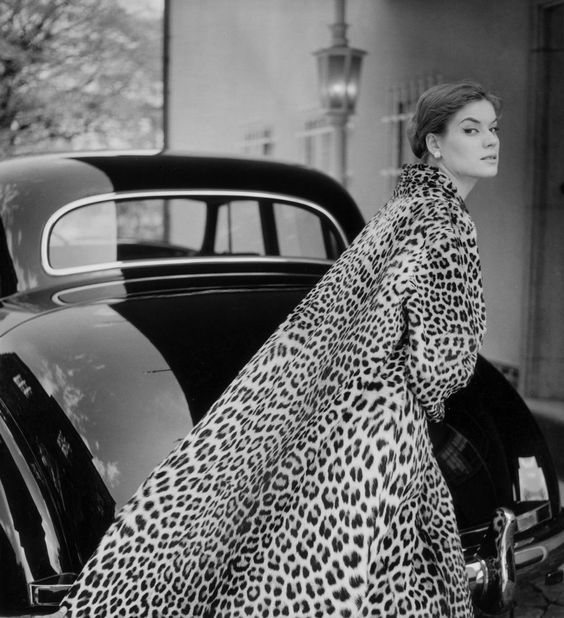 Lo Olschner, Hamburg, 1954 Photographer: F.C. Gundlach Ocelot coat by Berger