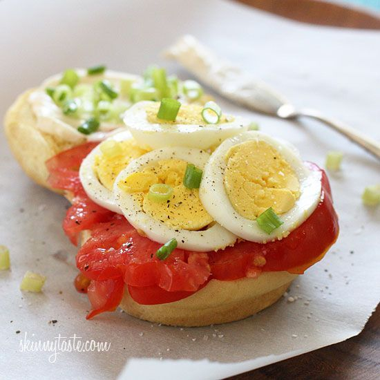 Egg Tomato and Scallion Sandwich | Skinnytaste (even healthier - substitute smashed avocado for mayo and serve on toasted whole grain toast)
