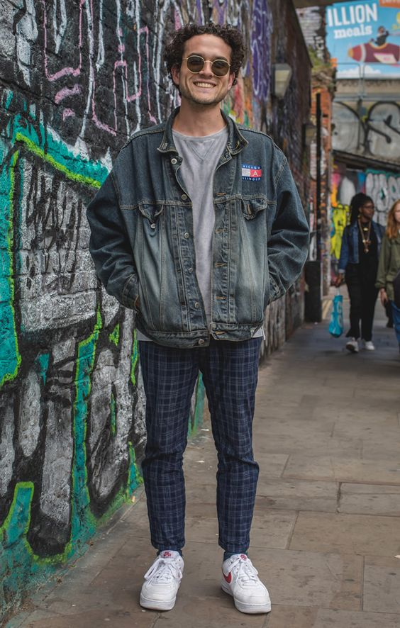 海外メンズブラックデニムジャケットコーデSee the latest men's street style photography at FashionBeans. Browse through our street style gallery today - updated weekly.
